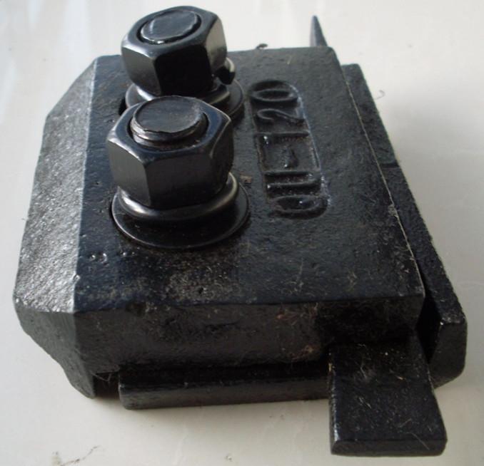 焊接双孔压轨器